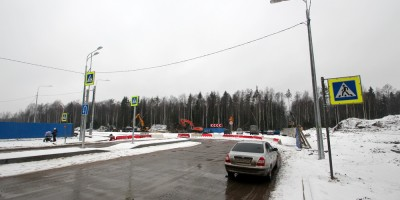 Гладышевский проспект, перекресток с Юнтоловским проспектом