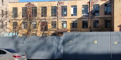 Улица Моисеенко, 10, дворовый корпус