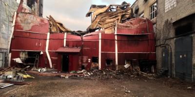 Сгоревшее здание скалодрома