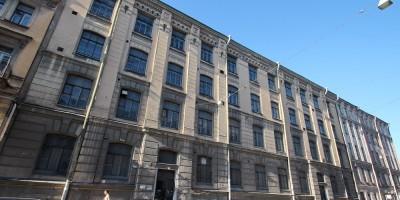 Улица Некрасова, Литейная гимназия