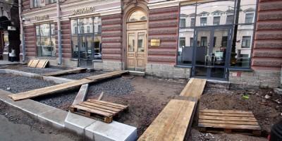 Большая Морская улица, реконструкция тротуаров, мостки