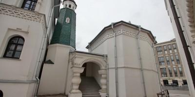 Феодоровский собор, дом причта, крыльцо