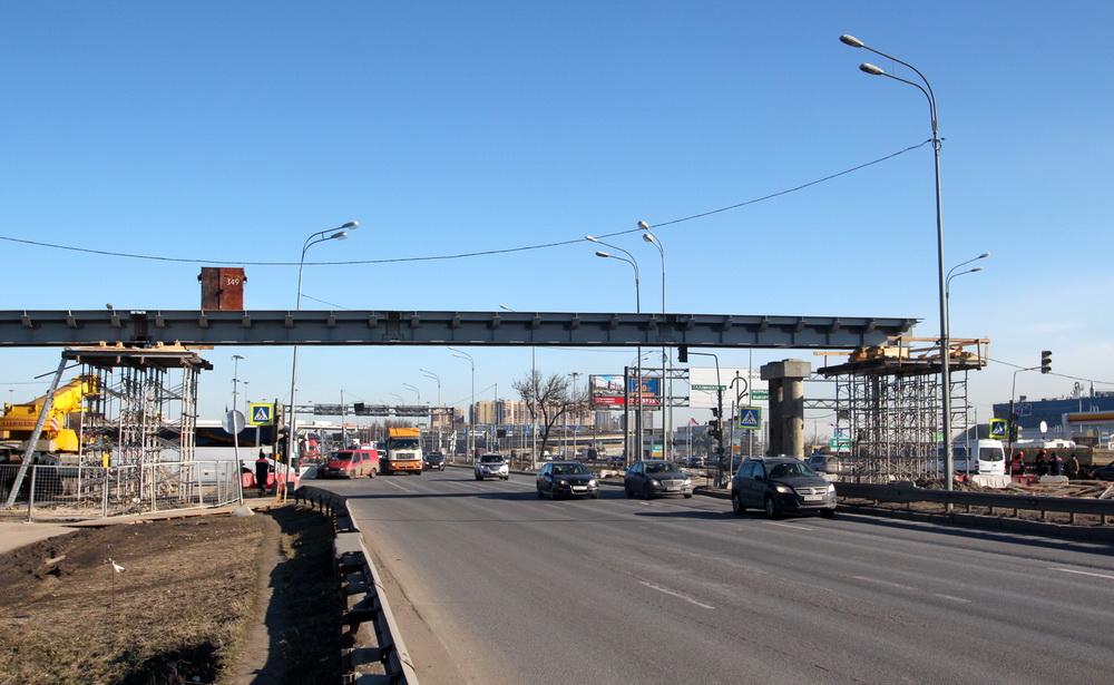 Пулковское шоссе, строительство пешеходного моста