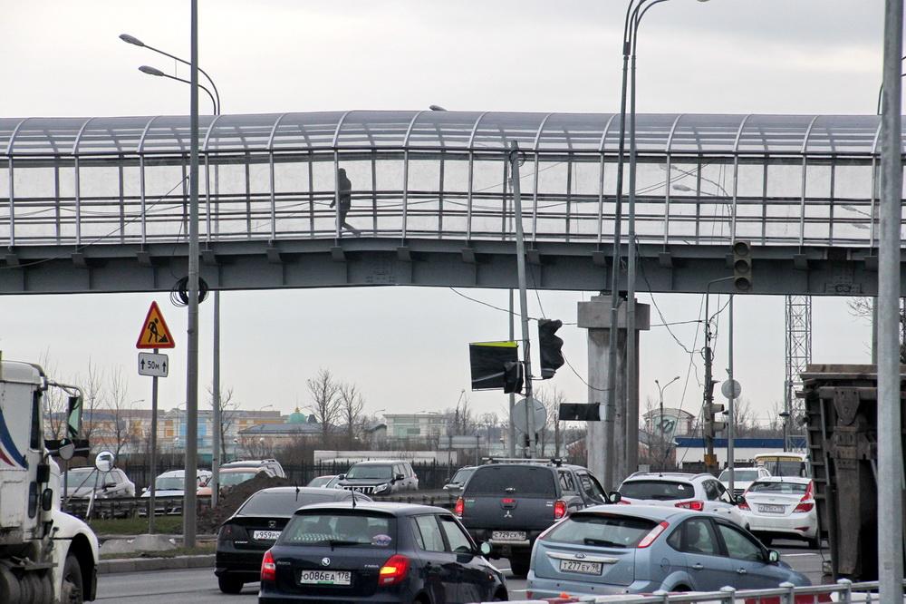Пулковское шоссе, пешеходный мост