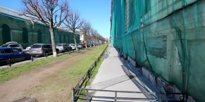 Улица Красного Курсанта, тротуар
