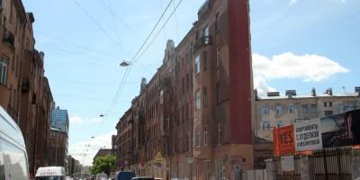 Боровая улица, 21, дом-утюг