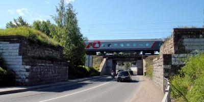 Колпино, Загородная улица, путепровод