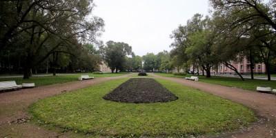 Петергоф, площадь Жертв Революции, сквер