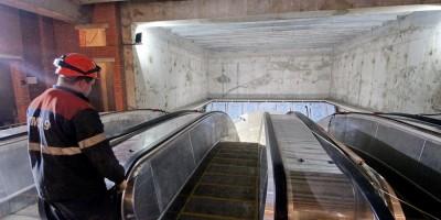 Станция метро Проспект Славы, эскалаторы