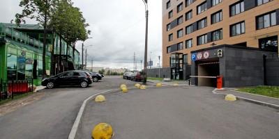 Леснозаводская улица, тротуар