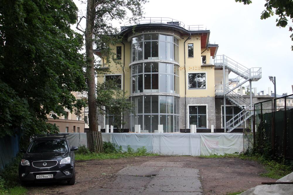 Набережная реки Крестовки, дом 3а, строение 2