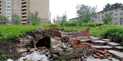 Ново-Александровская улица, фундаменты церкви