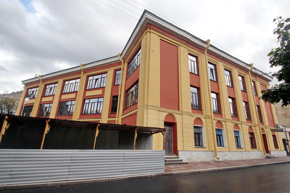 Средний проспект Васильевского острова, 2, бизнес-центр