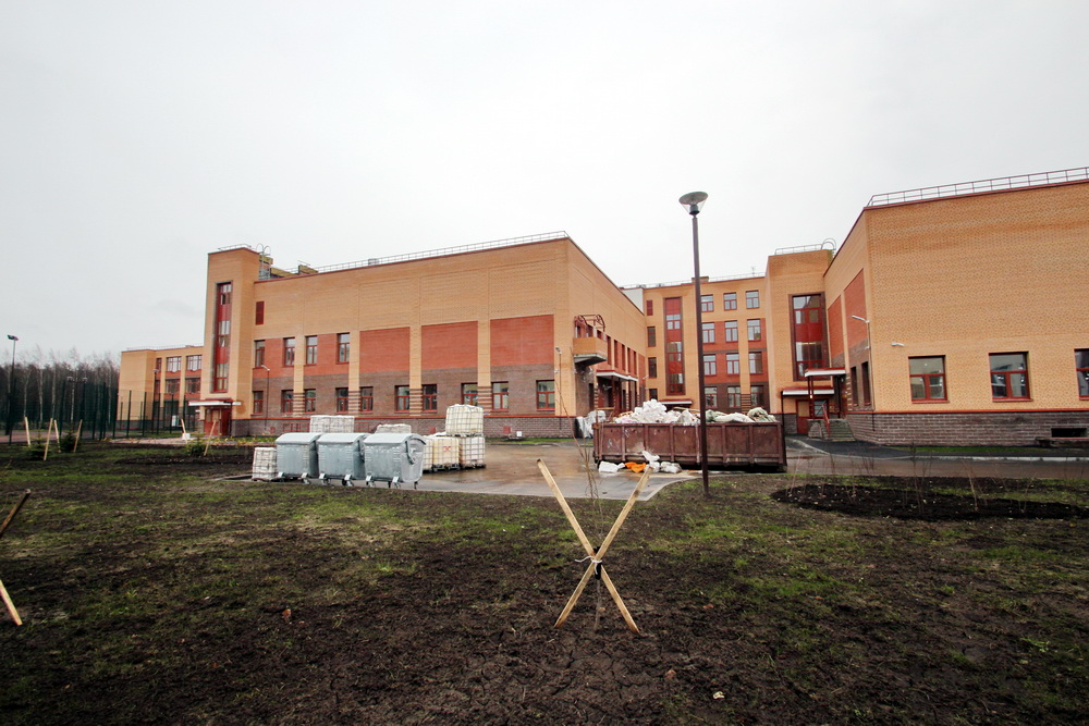 Юнтоловский проспект, 51, корпус 6, школа