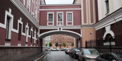 Дерптский переулок, переход
