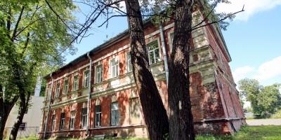 Дом церковно-приходской школы и причта на Выборгское шоссе, 102