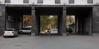 Красногвардейский переулок, арка