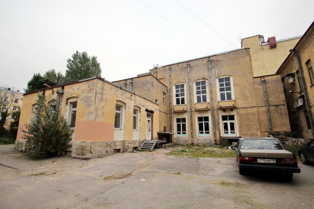 Проспект Римского-Корсакова, дом 47, корпус 2, театр Мимигранты