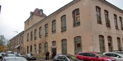 Улица Смолячкова, Роченсальмская бумагопрядильная мануфактура