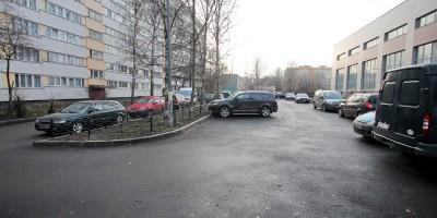 Улица Зины Портновой, 21, корпус 3, автостоянка