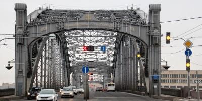 Большеохтинский мост, реверсивное движение