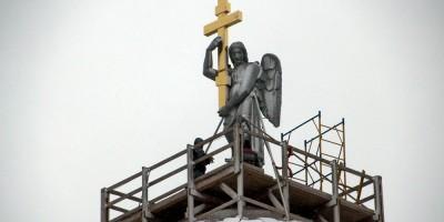 Церковь Святой Екатерины на Кадетской линии, ангел