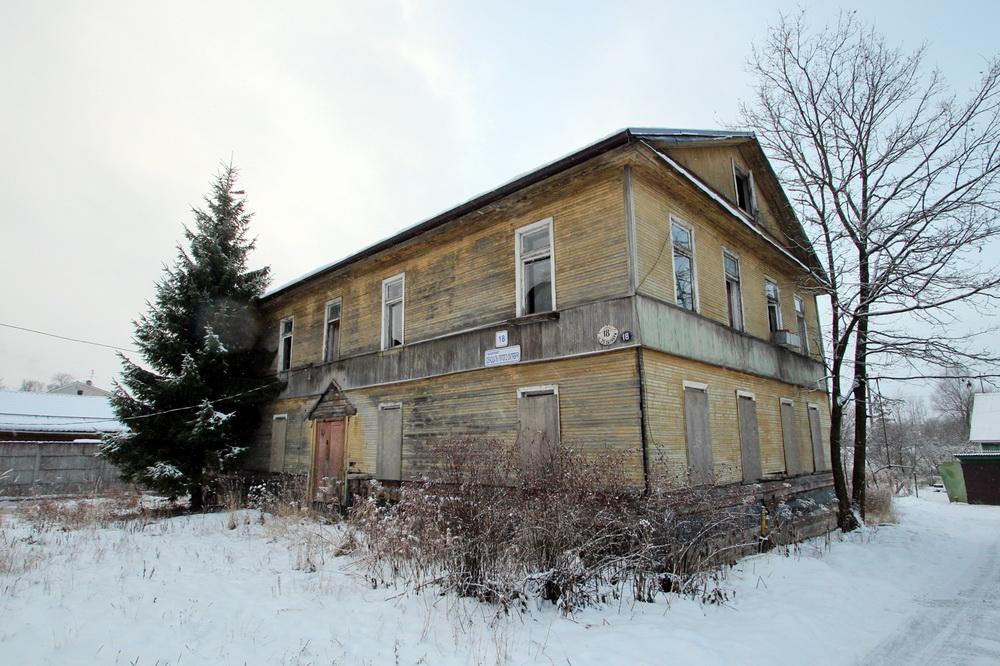 Дудергоф, проспект Двадцать Пятого Октября, дом 18