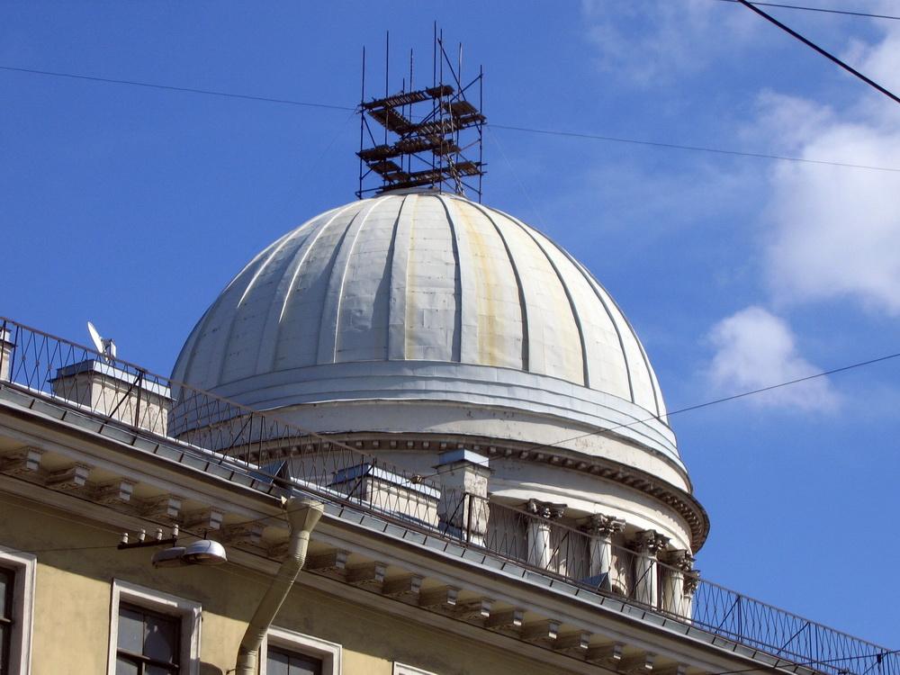 Кадетская линия, 27а, купол