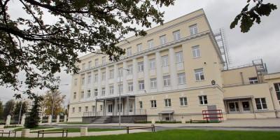 Крестовский проспект, дом 7, школа