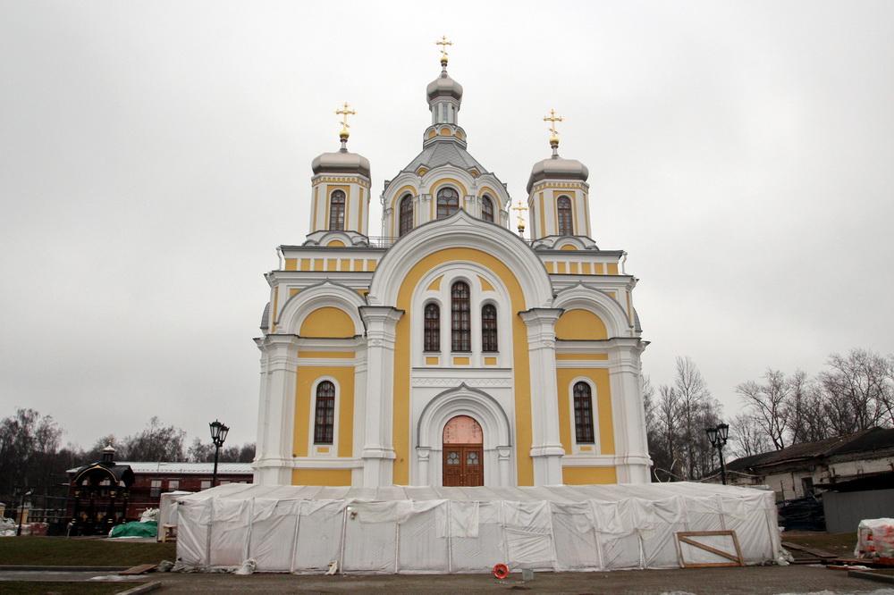 Церковь Святой Троицы на Октябрьской набережной после восстановления