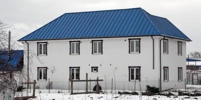 Горелово, улица Коммунаров, 145, двухэтажное здание