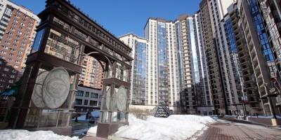 Проспект Космонавтов, дом 63, корпус 1, Триумфальная арка