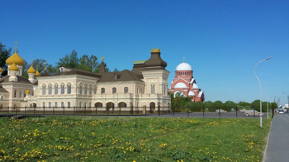 Проспект Луначарского, научно-просветительский центр и церковь Петра и Февронии, храм Сретения