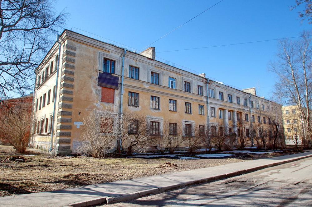 Ломоносов, Петровский переулок, 3