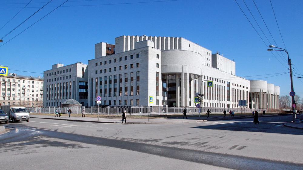 РНБ, корпус со стороны Варшавской улицы