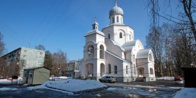 Тихвинская церковь на улице Софьи Ковалевской, дом 9, корпус 1