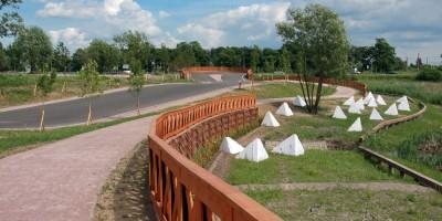 Муринский парк, надолбы