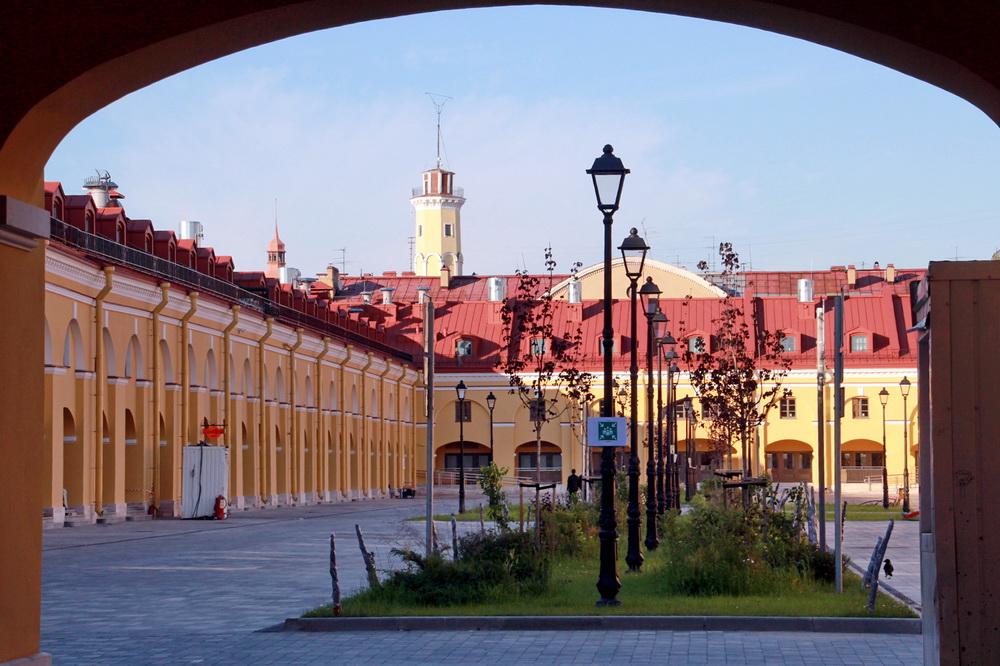 Никольский рынок на Садовой улице, двор