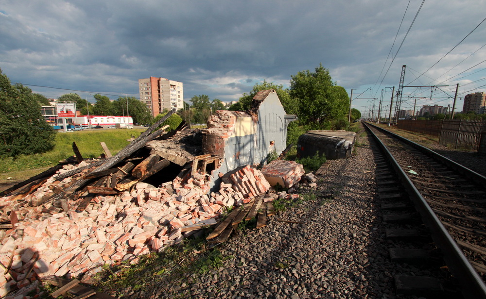 Станция Проспект Славы, здание после сноса