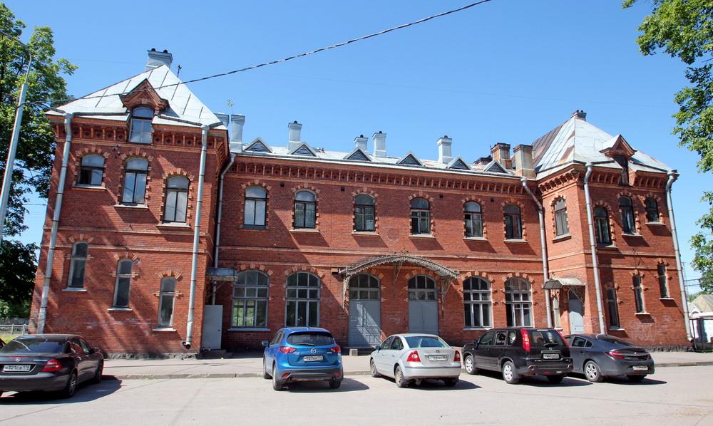 Станция Шувалово, вокзал
