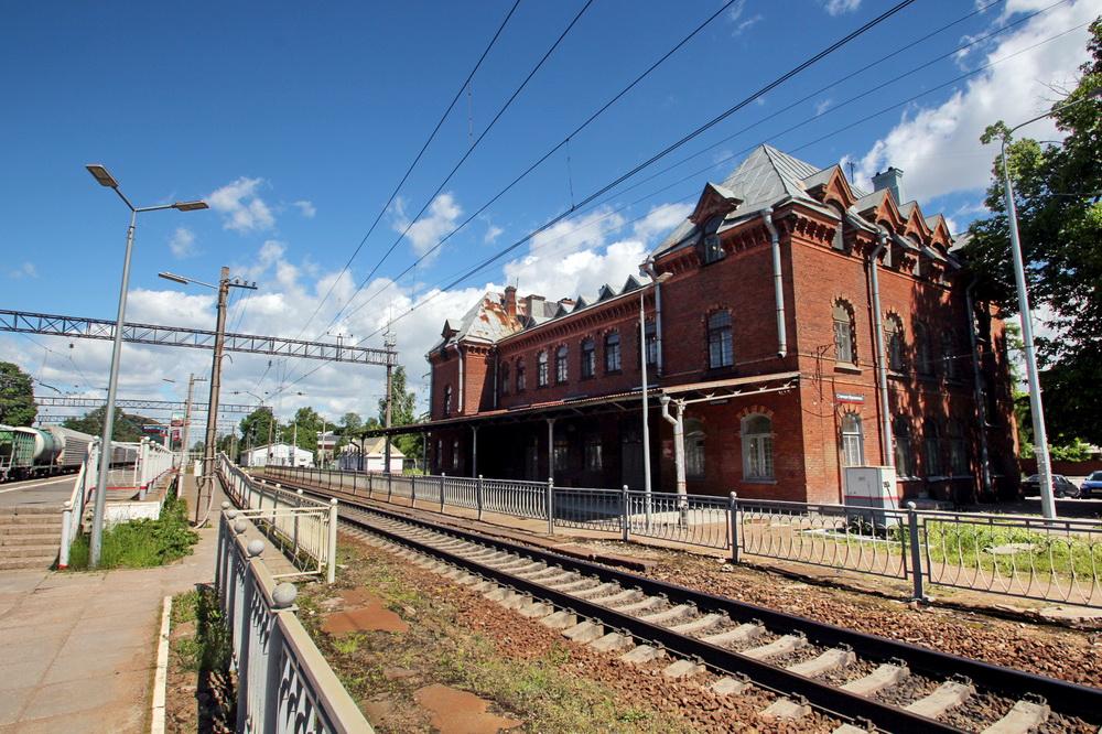 Станция Шувалово