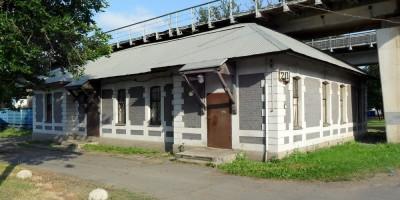 Станционный павильон на проспекте Обуховской Обороны