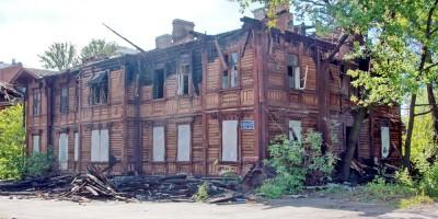 Варшавский вокзал, деревянный дом после пожара
