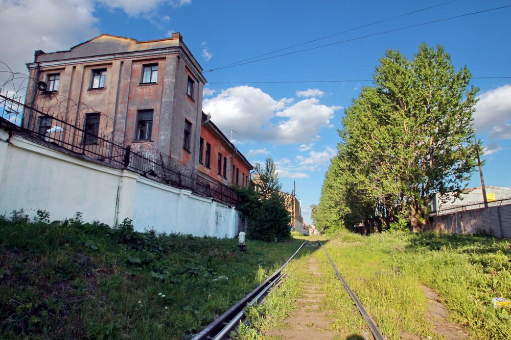 Железная дорога между улицами Шкапина и Розенштейна