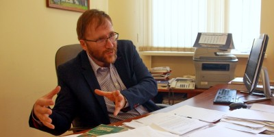 Дмитрий Шерих в кабинете