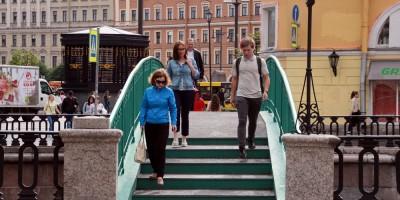 Сенной мост, пешеходы