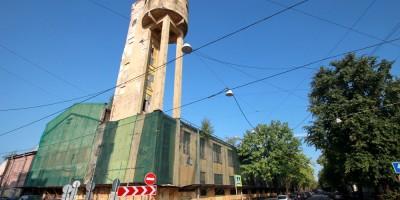 Канатный цех и водонапорная башня завода Красный гвоздильщик