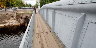 Кронштадт, Доковый мост, тротуар