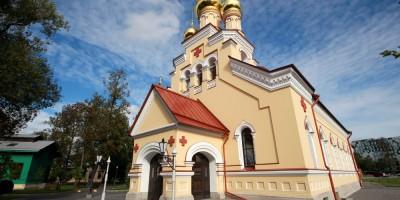 Пантелеймоновская церковь на Свердловской набережной