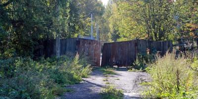 Лесной переулок, забор
